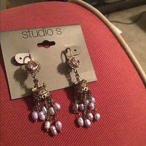 Gorgeous pierced Earrings!👑👑👑👑